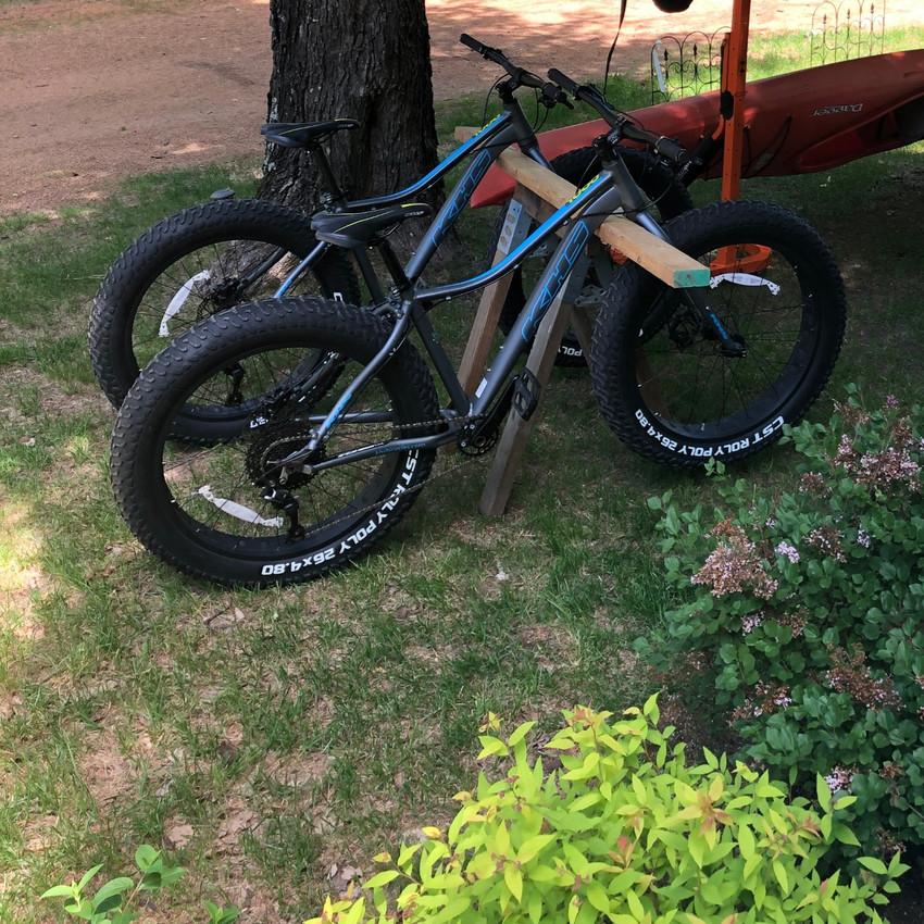 2 fat tire bikes in woods