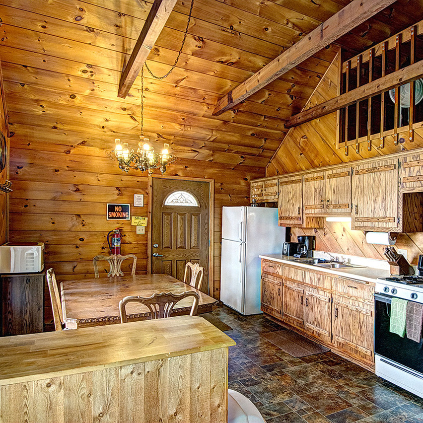 Wisconsin ice fishing cabin dining room