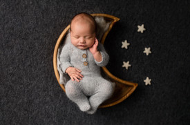 best newborn photographer near me