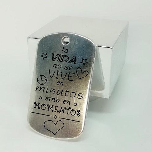 MOTIVADORAS LA VIDA NO SE VIVE EN MINUTOS SE VIVE EN MOMENTOS
