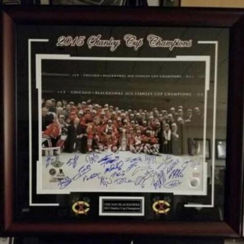 Chicago Blackhawks 2015 Stanley Cup Team Signed Framed  Celebration 16x20