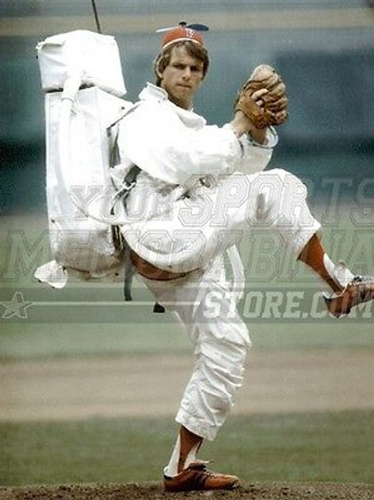 Bill Lee Boston Red Sox Spaceman Suit and Beanie  8x10 11x14 16x20 Photo 1187