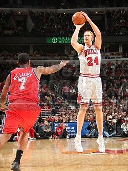 Brian Scalabrine Chicago Bulls white mamba jump shot  8x10 11x14 16x20 2091