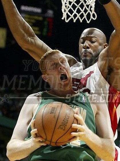 Brian Scalabrine Boston Celtics nasty rebound  8x10 11x14 16x20 2085
