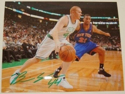 Brian Scalabrine Boston Celtics Signed Autographed Action vs NY Knicks 8x10 G