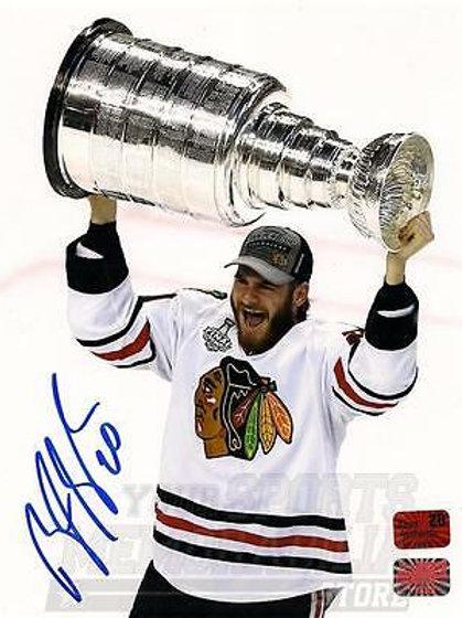 Brandon Saad Chicago Blackhawks signed  raising Stanley cup 8x10 Photo NPF