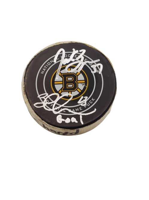 Brad Marchand Boston Bruins signed GOAL SCORED puck, Bergeron signed