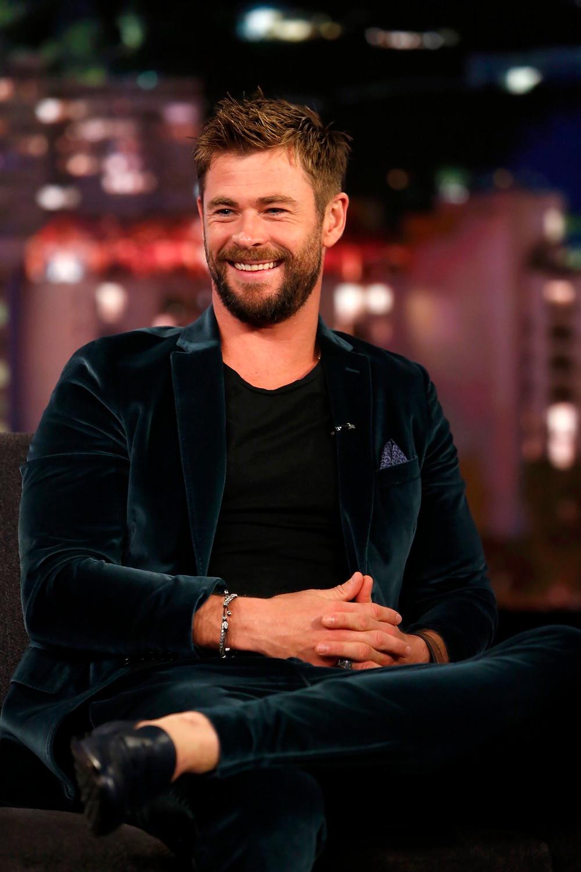 Chris Hemsworth in teal velvet Etro for Jimmy Kimmel Live, October 2017. Styled by Samantha McMillen.
