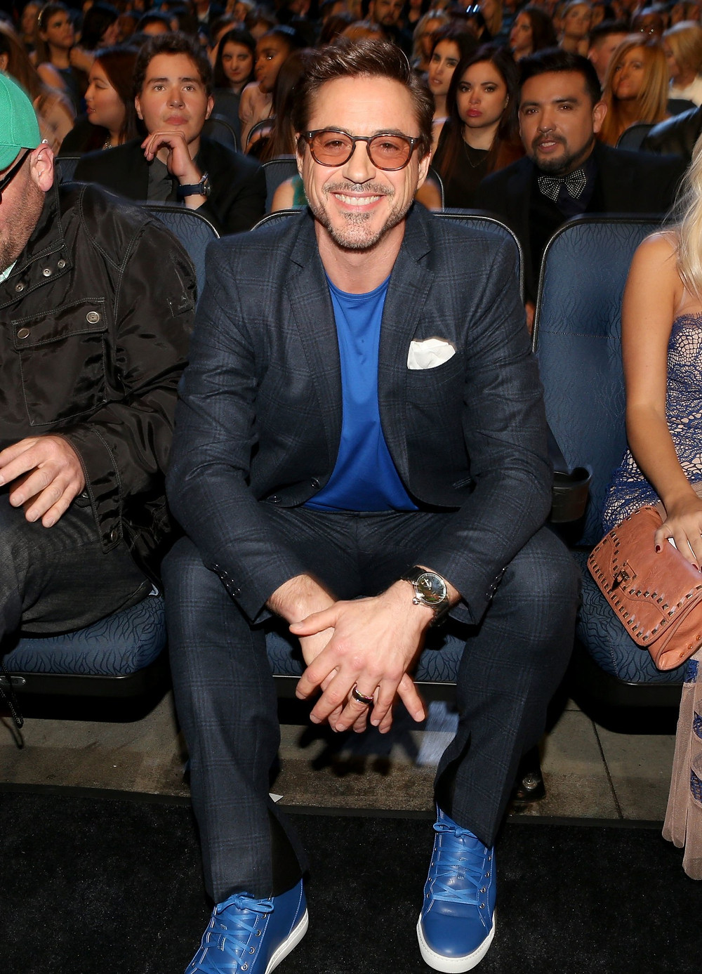 Robert Downey Jr. in matching blue tee and high top sneakers for the People's Choice Awards in 2015. Styled by Jeanne Yang.
