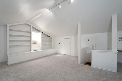 Upper level room