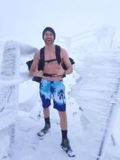 Peakwolf im Schnee.jpg