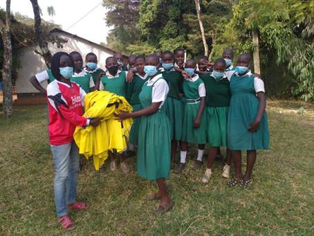 Trikots des Sportverein Waldrennach in Kenia angekommen