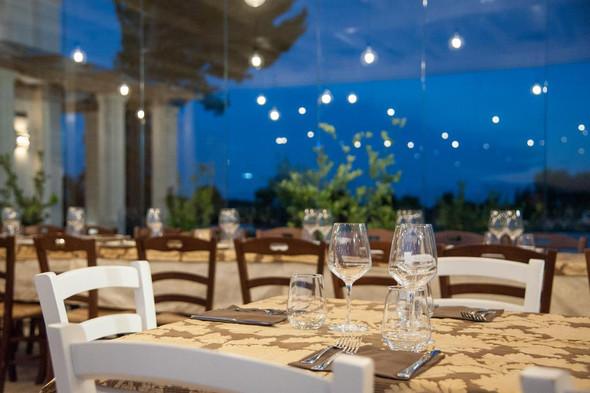 Night Restaurant