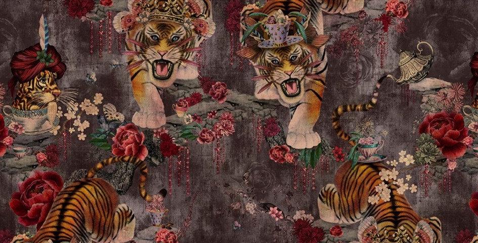 Tiger's Teatime - Scarlet