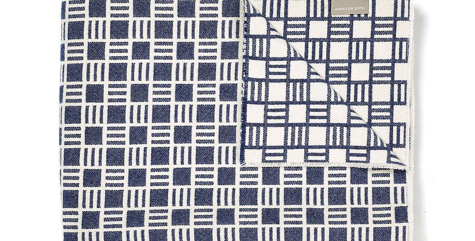 Alex Blanket in Sea Holly Blue 200x140cm