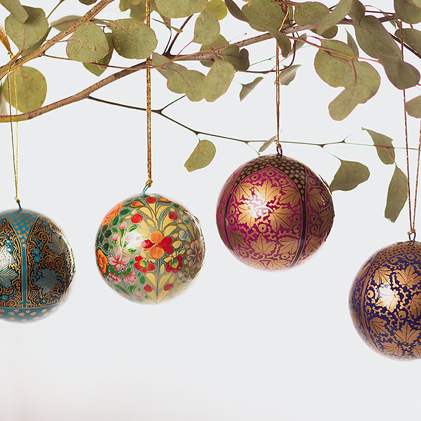 Ethical and beautiful Christmas decoration availble online at Artisan Homeware. Responsibly sourced Christmas gifts that flourish in beauty and compliment interior designs.