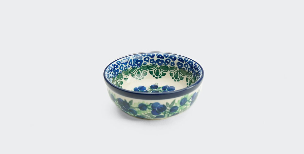 Small Nibble Bowl in Winter Berry