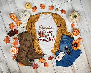 t-shirt-mockup-featuring-a-warm-autumn-outfit-3744-el1.png