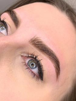 Eyebrow shape&tint