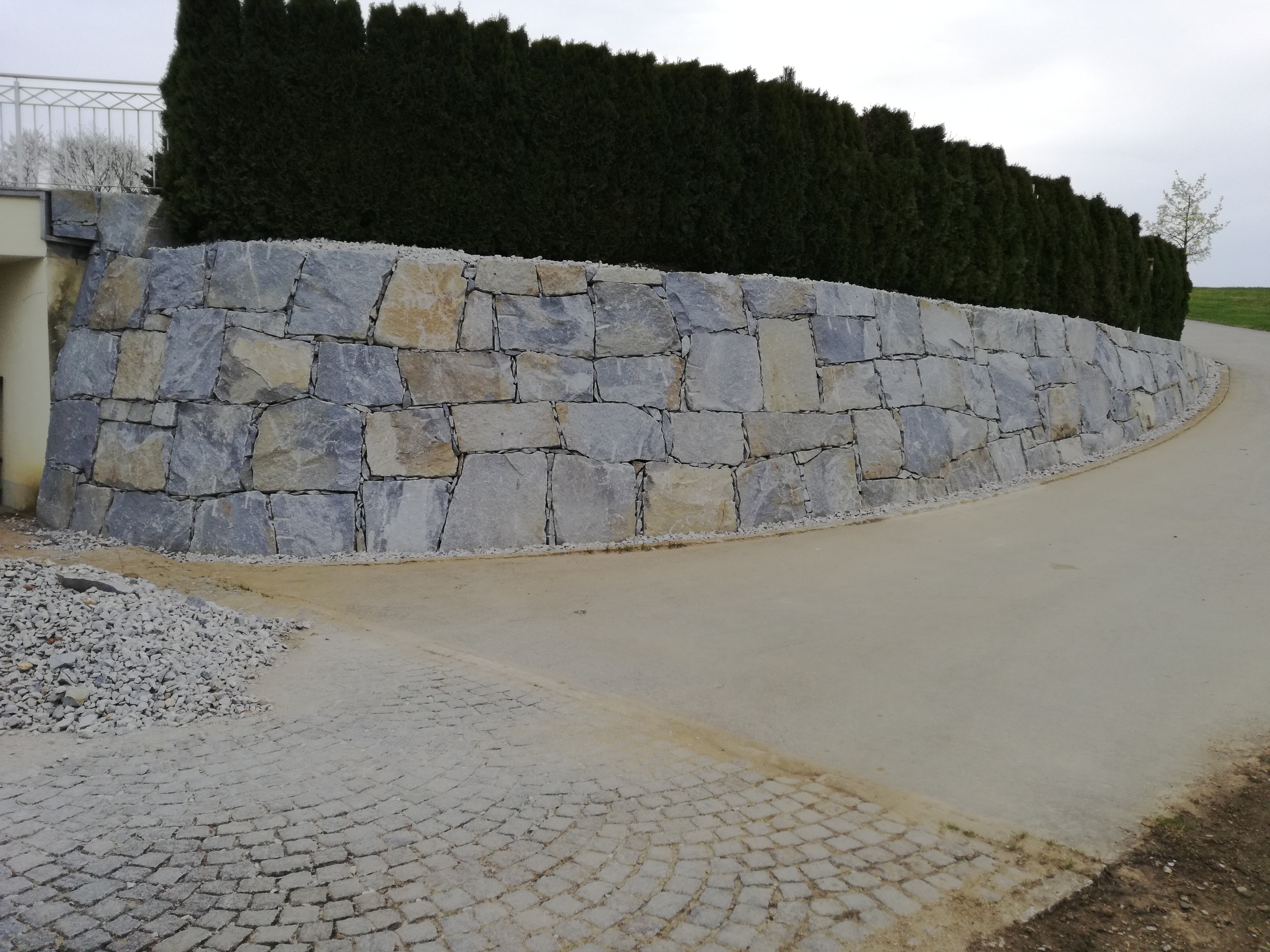 verlegte Steinmauern