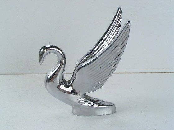 Chrome Swan Hood Ornament - Bulger