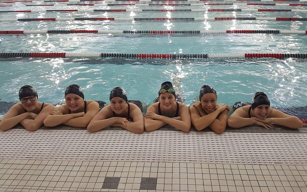 The Crescendo Relay (From left to right: Reagan Webster, Becca Byers, Starr Kytta, Sidney Perkins, Damaris Wyant, Ellie Kaplachinski)