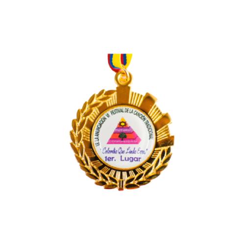 M17. Medalla con baño de oro