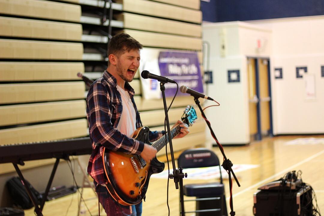 Live at WT Woodson High School
