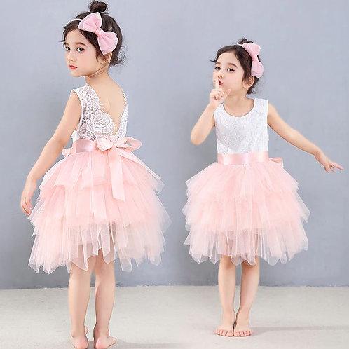Dievčenské krajkové šaty bielo marhuľkové