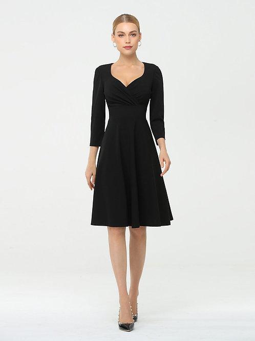 Čierne krátke šaty s rukavmi