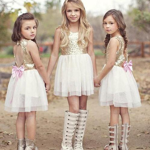 Bielo zlate šaty s ružovou mašľou