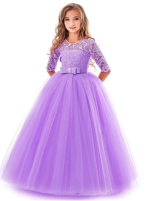 Fialové krajkové dievčenské šaty s rukávom