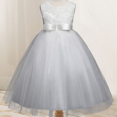 Biele dievčenské šaty
