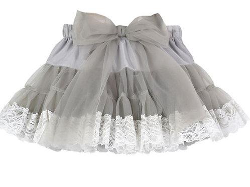 Siva DOLLY s bielou krajkou