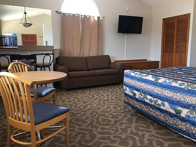 Luxury Suites at The Dew Drop Inn Motel