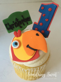 Toucan (jumbo cupcake)