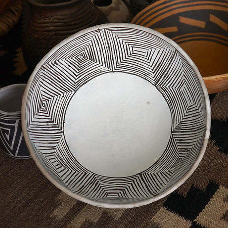 Reproduction Gallup Black-on-White Mineral Painted Bowl