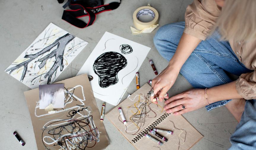 Skisser med pastell-kritt