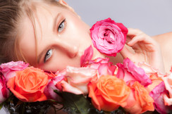 Alyena_Flowers_web.jpg