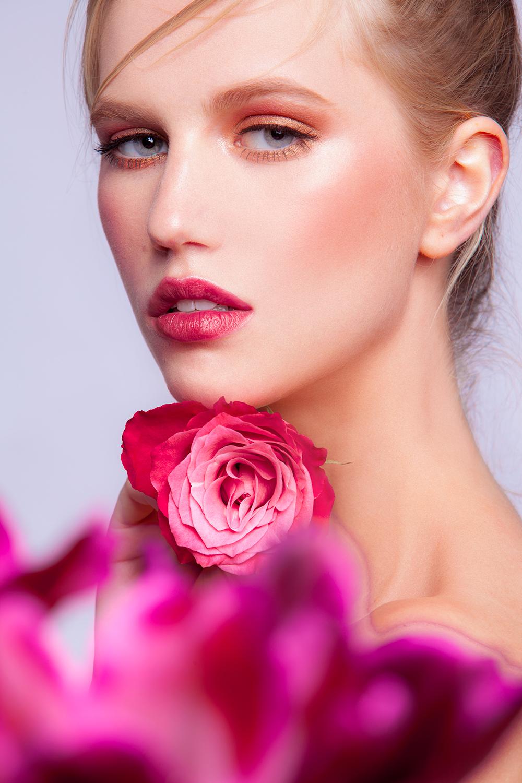 Alyena_FlowerLooking_web