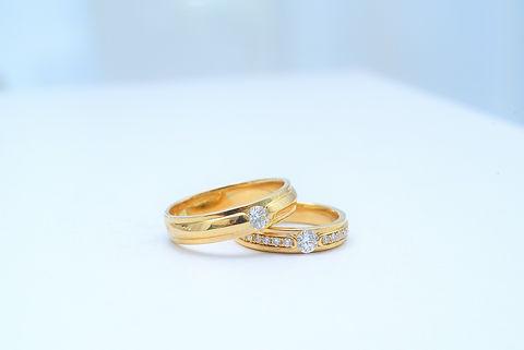 wedding-ring-4886445_1920.jpg