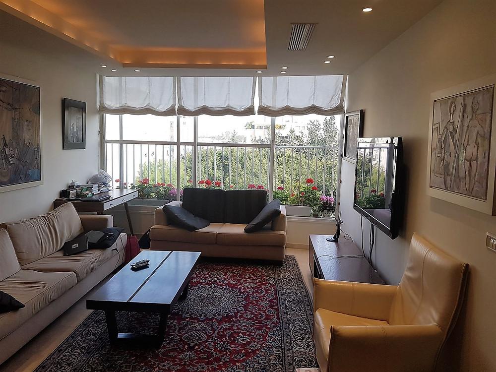 דירה למכירה 4 חדרים ברחוב בבלי משופצת מרווחת פונה לנוף ירוק