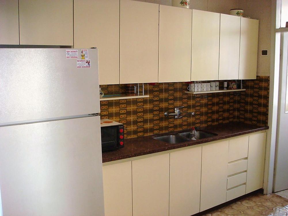 דירה למכירה 3 חדרים במיקום מעולה צמודה לפארק הירקון שקטה ומוארת
