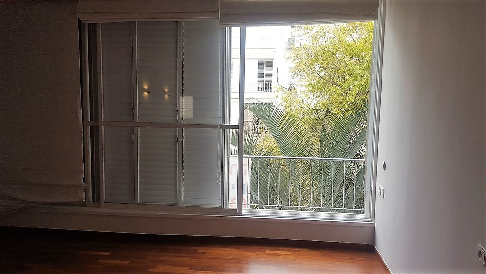 דירה להשכרה בבבלי  שולושה וחצי חדרים רחוב הכנסת הגדולה. הדירה משופצת ליד פארק הירקון