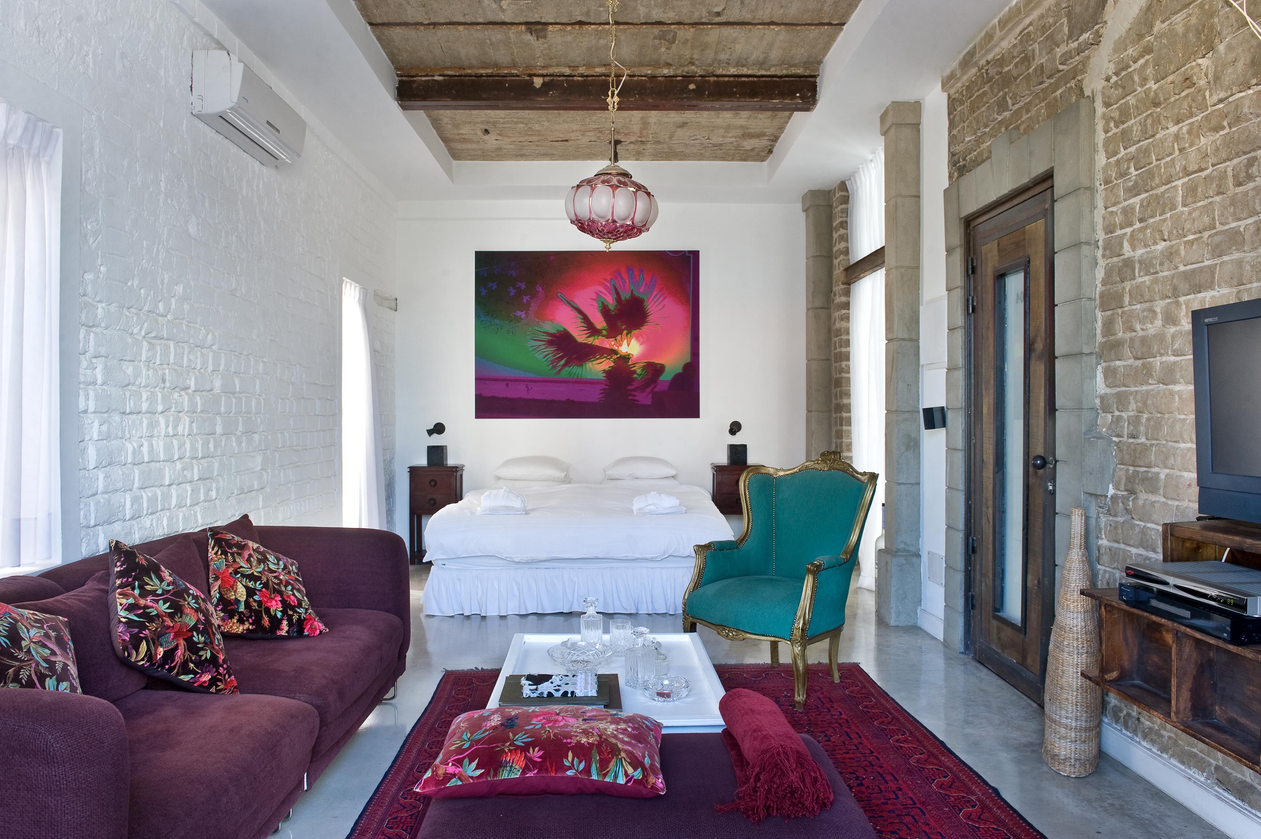עיצוב פריטי אווירה והחייאת רהיטים
