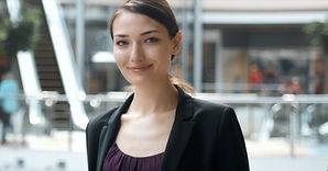 """דמות של אישה בדומה למועמדת למשרה בכירה בחברה ע""""י השמה גרופ, דרור פאול"""
