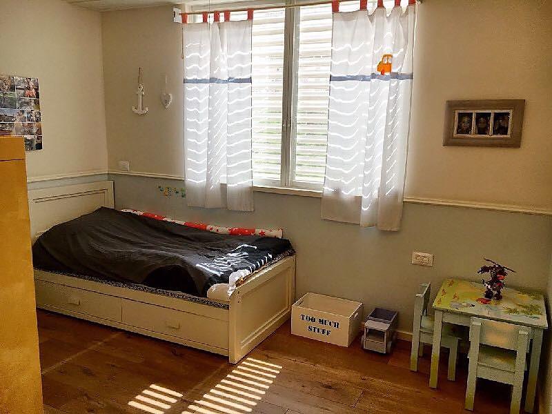 דירה ענקית להשכרה בצפון תל אביב בצפון הישן חדר שינה שקט ונעים