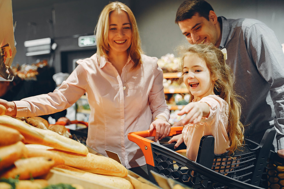 family-doing-shopping-in-the-grocery-sto
