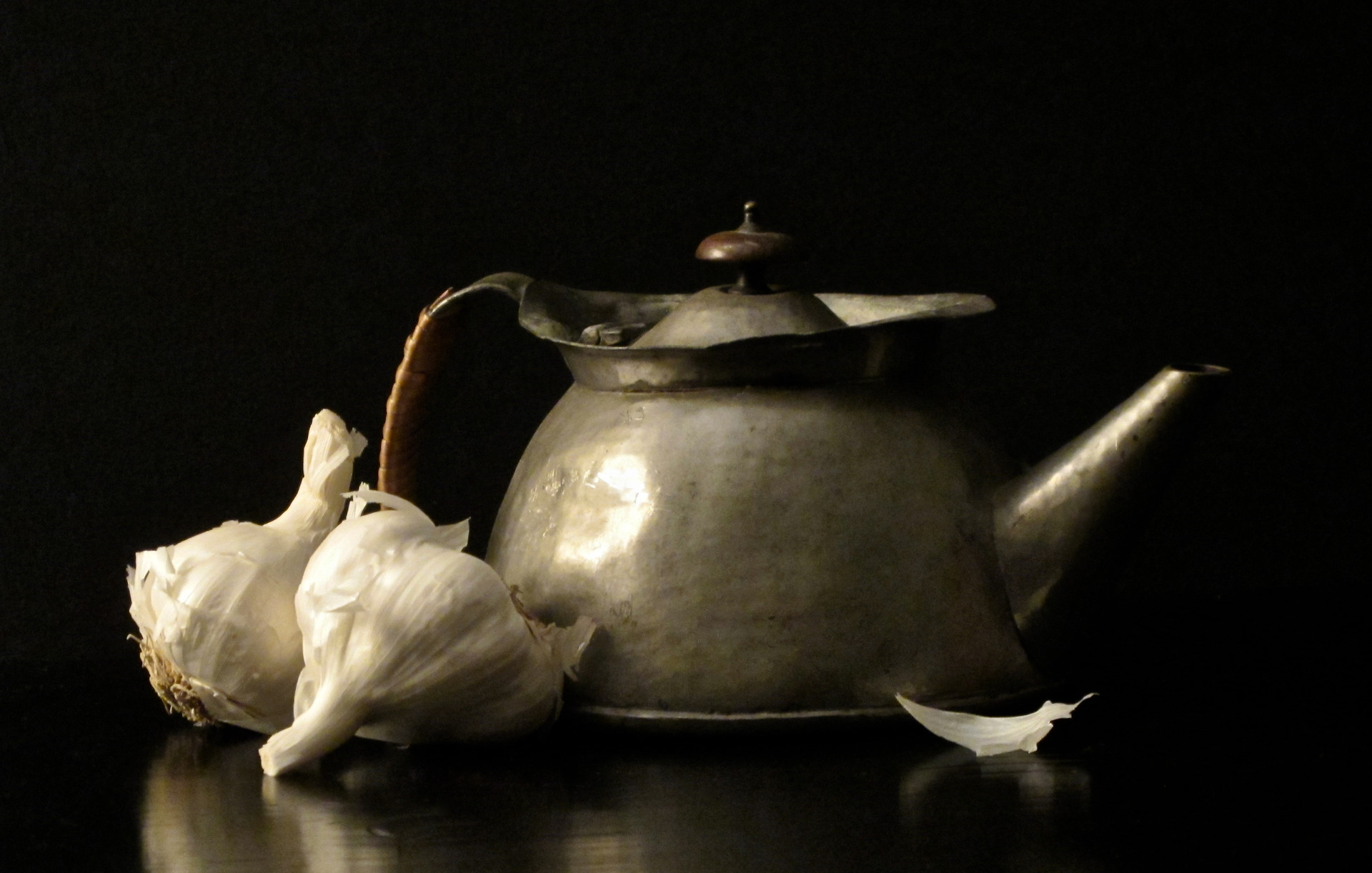 Garlic and Battered Teapot 1