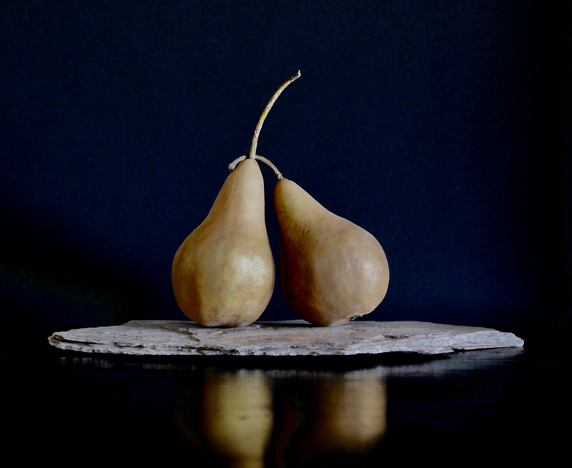 Pair of Pears 2